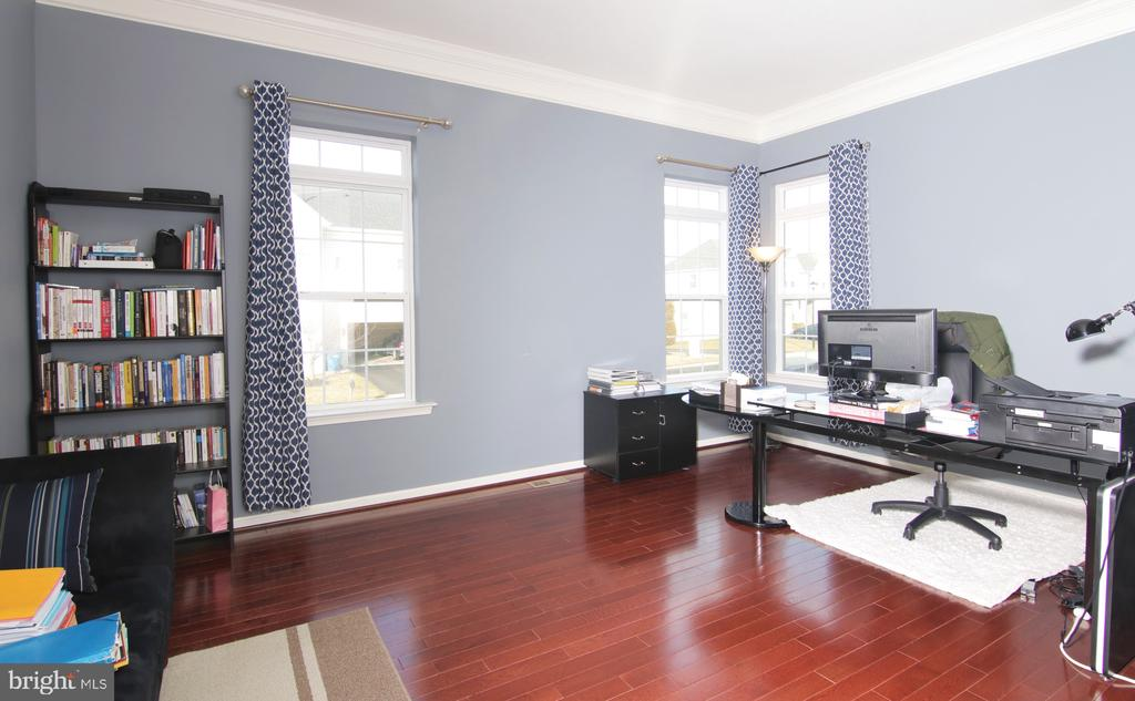 Office - 42427 IBEX DR, STERLING