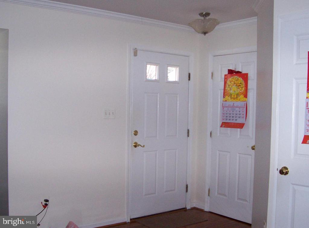 Front Door Opens to Living Room - 10012 GRASS MARKET CT, FREDERICKSBURG