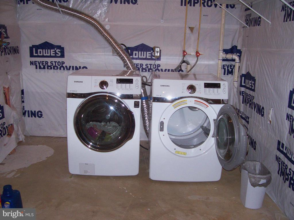 Washer & Dryer to Convey - 10012 GRASS MARKET CT, FREDERICKSBURG
