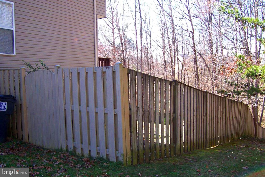 Fully Fenced Back Yard - 10012 GRASS MARKET CT, FREDERICKSBURG