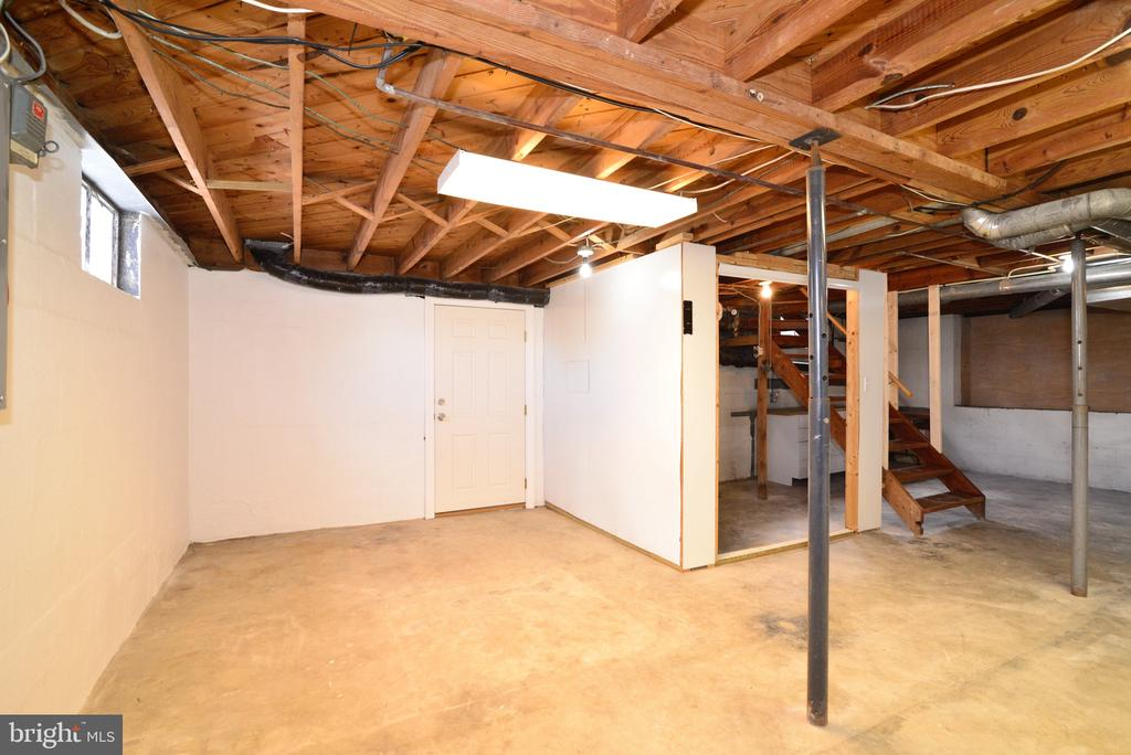 Open unfinished basement - 918 WADESVILLE RD, BERRYVILLE