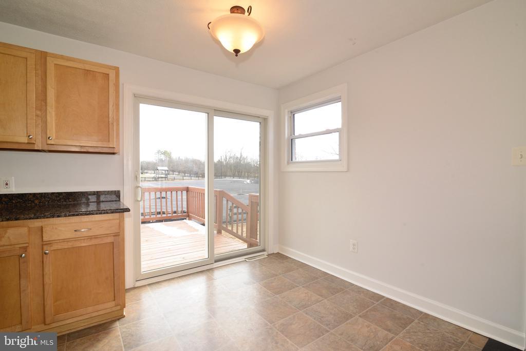 Kitchen sitting area - 918 WADESVILLE RD, BERRYVILLE