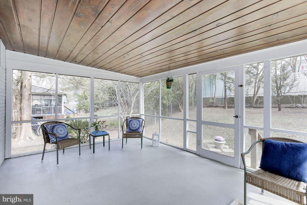 Screened in Porch - 4831 FLANDERS AVE, KENSINGTON