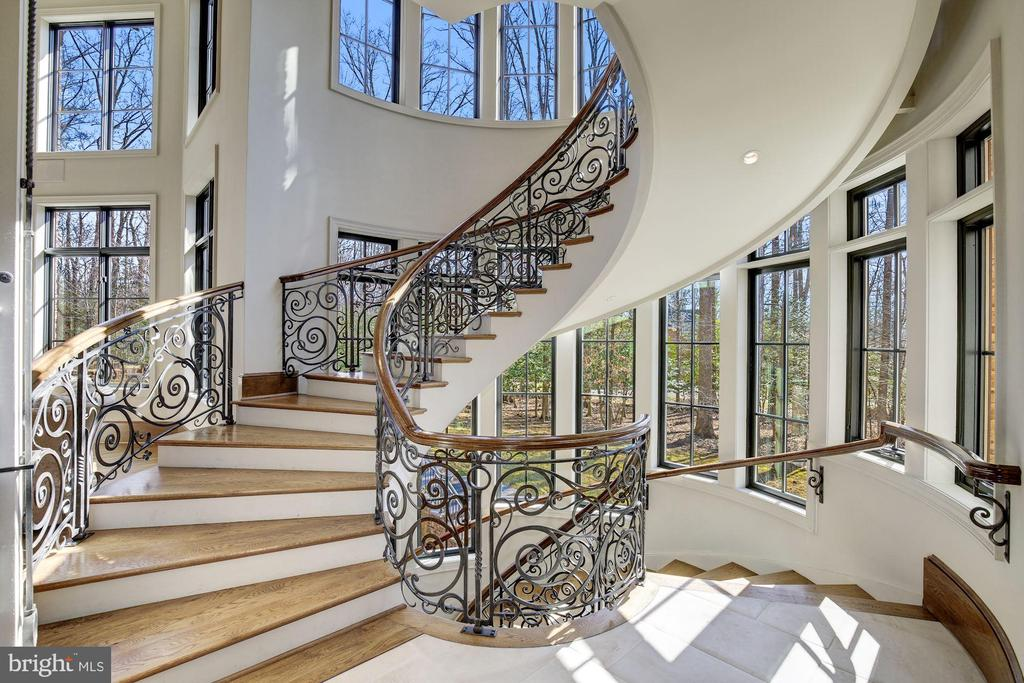 Gracious Main Staircase - 9811 AVENEL FARM DR, POTOMAC