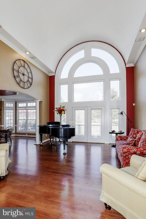 Walls of windows and a French door. - 13300 IVAKOTA FARM RD, CLIFTON