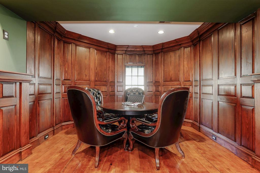 Gaming center with hand crafted wood paneling. - 13300 IVAKOTA FARM RD, CLIFTON