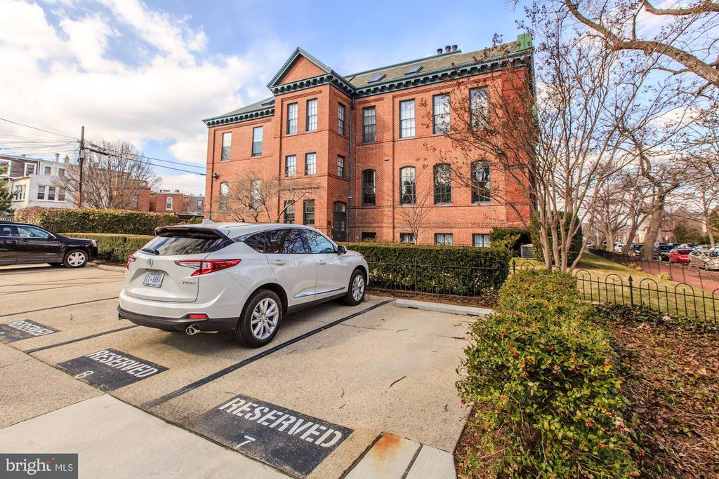 Reserved Parking (#7) - 410 5TH ST NE #32, WASHINGTON