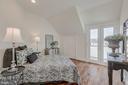 Bedroom with Access to Balcony - 410 5TH ST NE #32, WASHINGTON