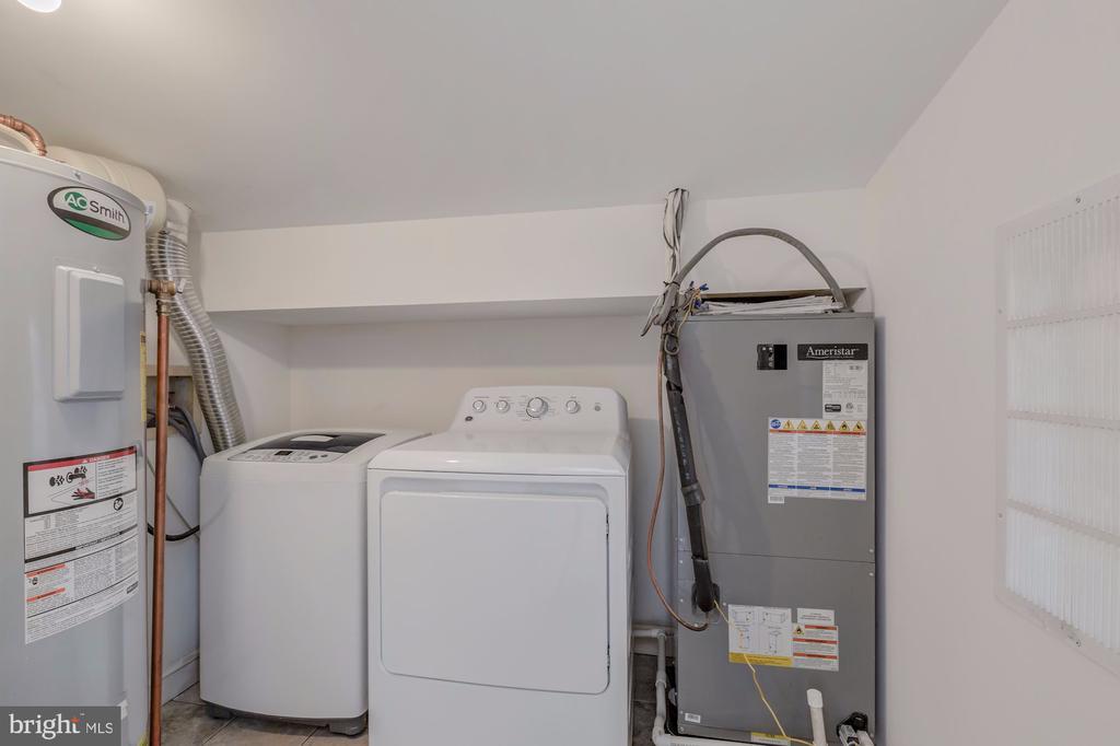 In-unit Washer and Dryer - 410 5TH ST NE #32, WASHINGTON