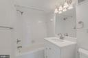 Renovated Main Floor Full Bath - 410 5TH ST NE #32, WASHINGTON
