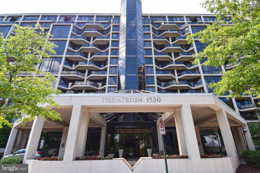 - 1530 KEY BLVD #131, ARLINGTON