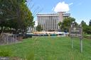 Enjoy the green space - 1530 KEY BLVD #131, ARLINGTON