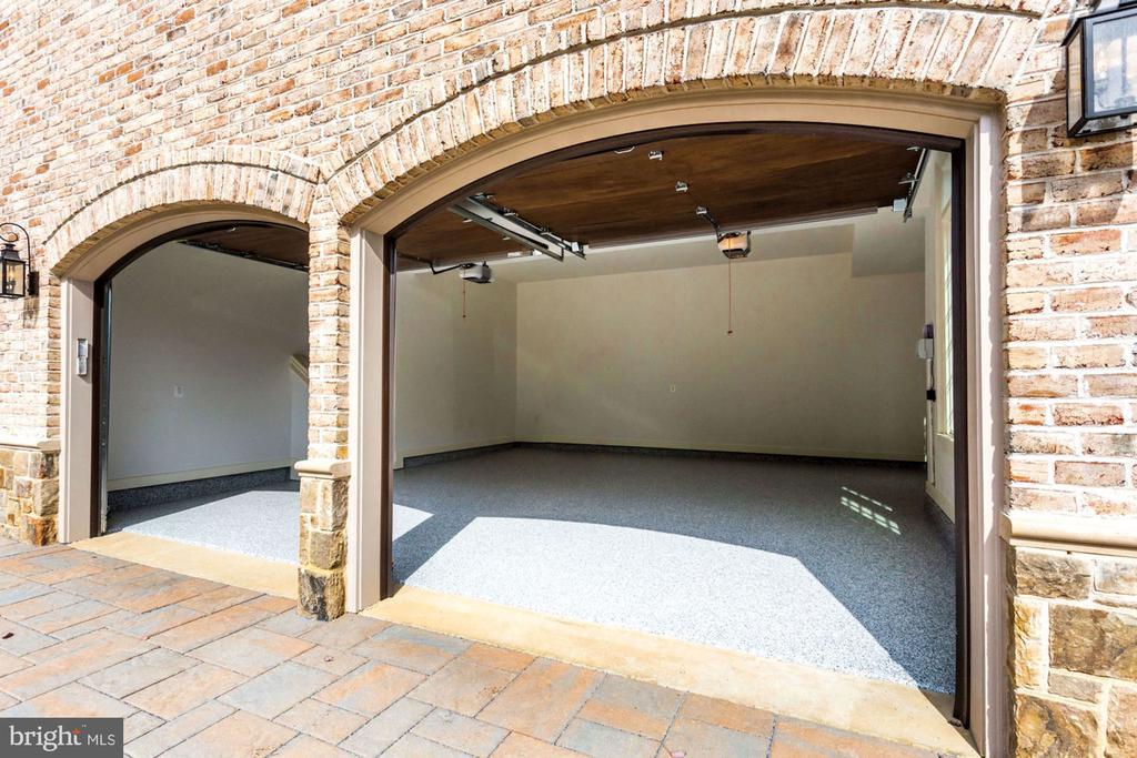 500 SQFT Garage - 3200 N ABINGDON ST, ARLINGTON