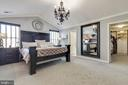 Large Master Bedroom with Cathedral Ceilings - 41957 DONNINGTON PL, ASHBURN