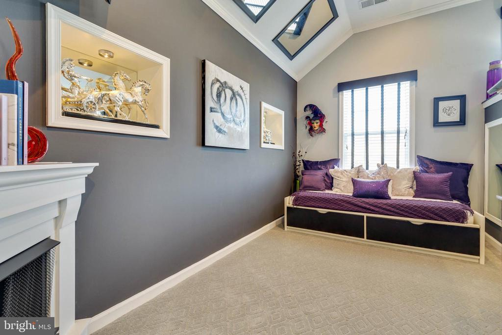 Master Bedroom Sitting Room - 41957 DONNINGTON PL, ASHBURN
