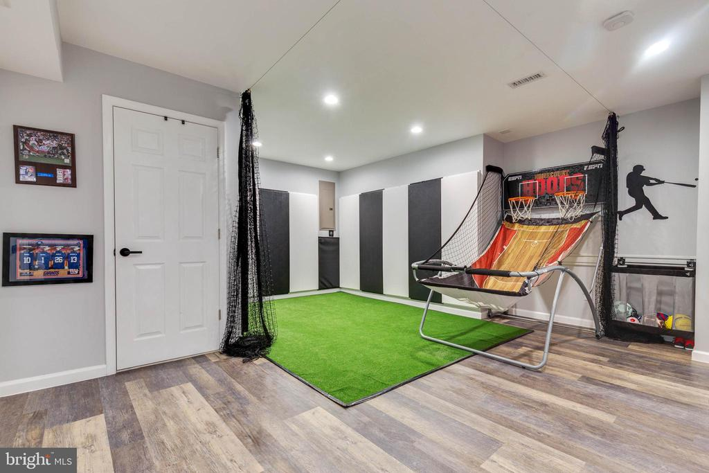 Rec Room Kids Play Area - 41957 DONNINGTON PL, ASHBURN