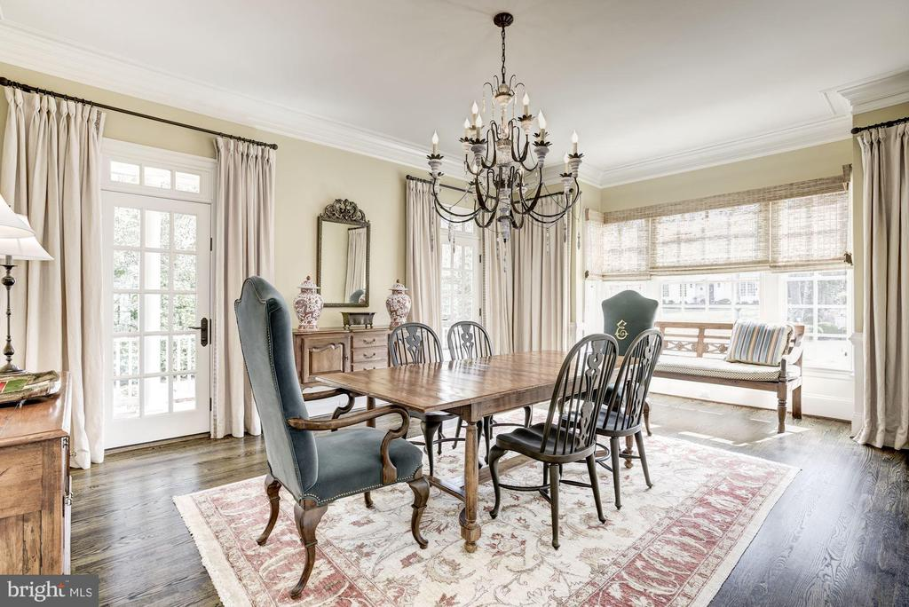 Dining Room with French Door to 2nd Porch - 6924 RIVER OAKS DR, MCLEAN