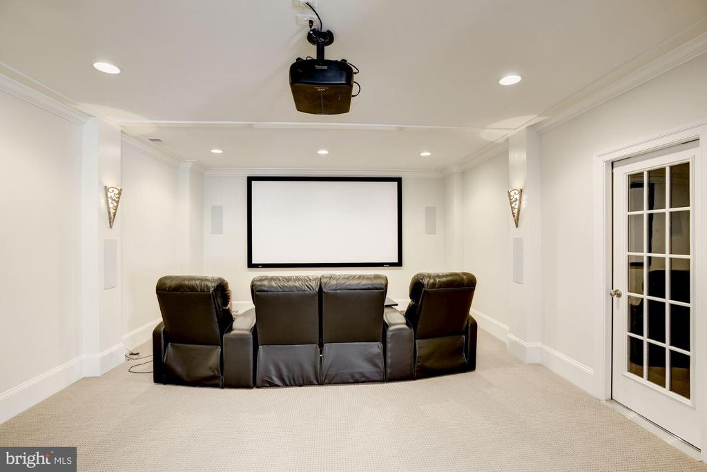 Theater Room with 7.1 Surround Sound - 6924 RIVER OAKS DR, MCLEAN