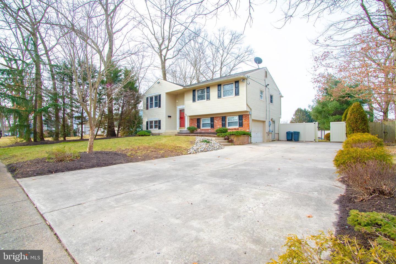 Villa per Vendita alle ore 30 WHITE BIRCH Road Turnersville, New Jersey 08012 Stati Uniti