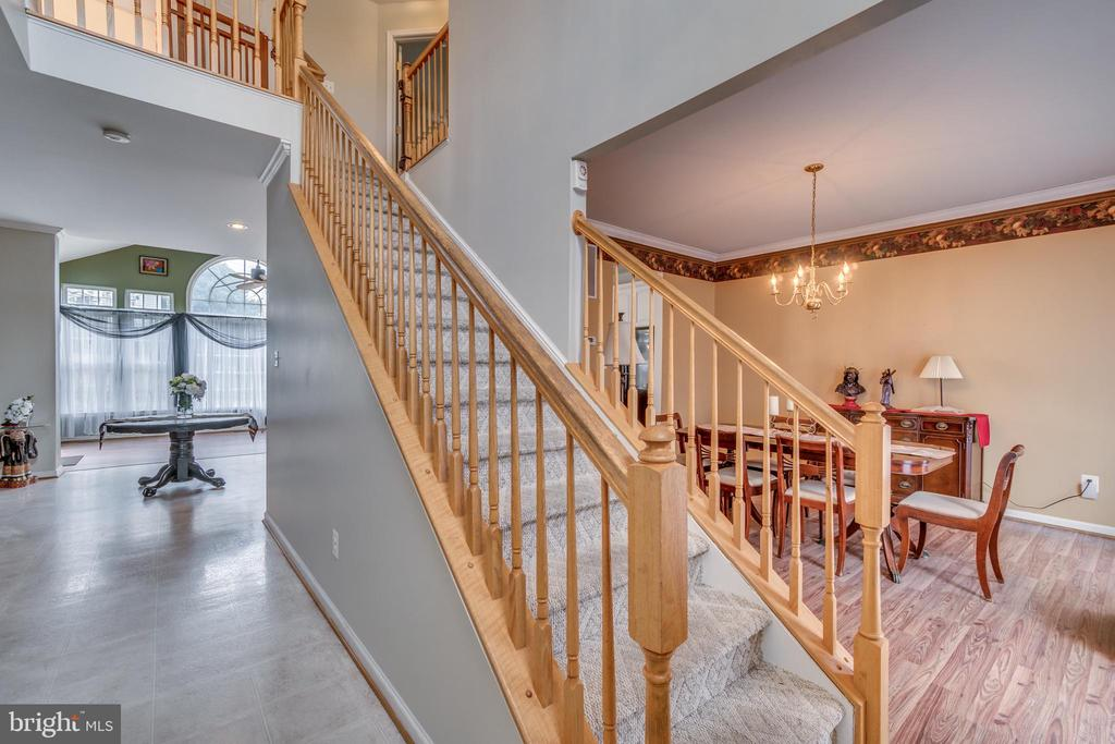 Open Stair Case in Two Story Foyer - 12 PIERRE EMMANUEL CT, FREDERICKSBURG