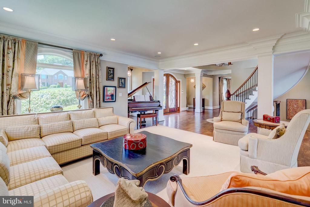 Living Room - 803 COACHWAY, ANNAPOLIS