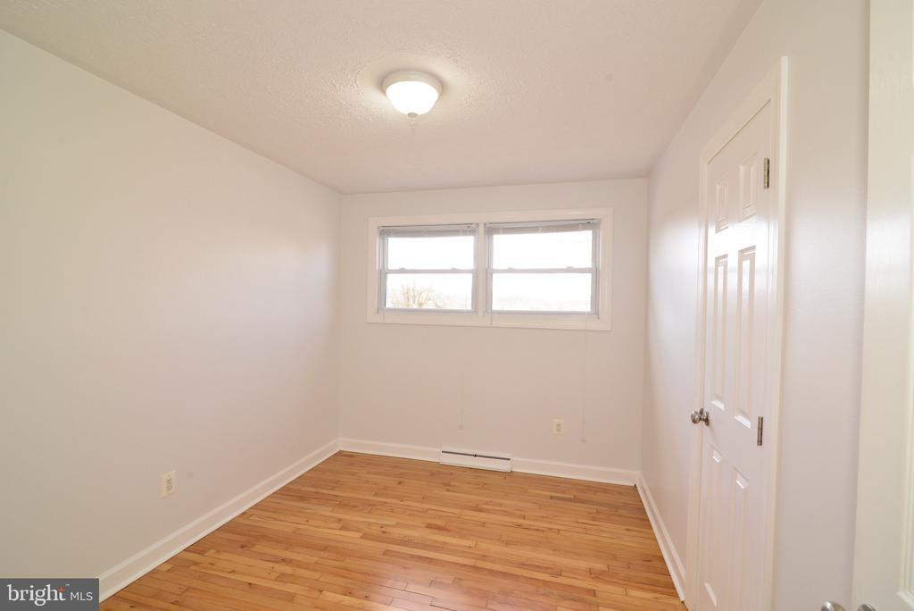 Bedroom 1 - 918 WADESVILLE RD, BERRYVILLE
