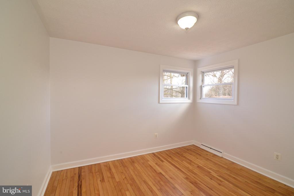 Bedroom 2 - 918 WADESVILLE RD, BERRYVILLE