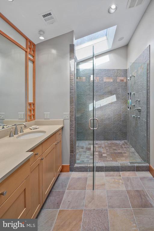 Designer Master Bath - 6201 POINDEXTER LN, NORTH BETHESDA