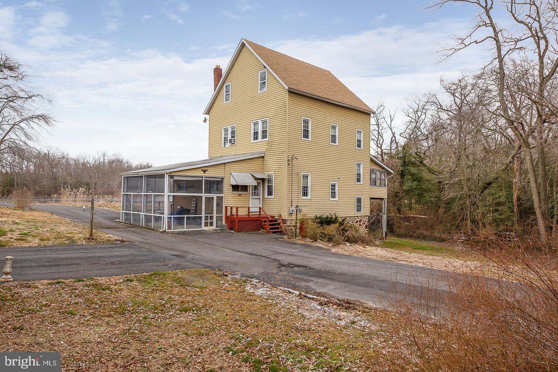 Частный односемейный дом для того Продажа на 304 MASKELLS MILL Salem, Нью-Джерси 08079 Соединенные Штаты