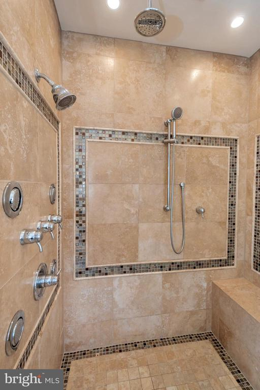 Custom shower - 113 DOC STONE RD, STAFFORD