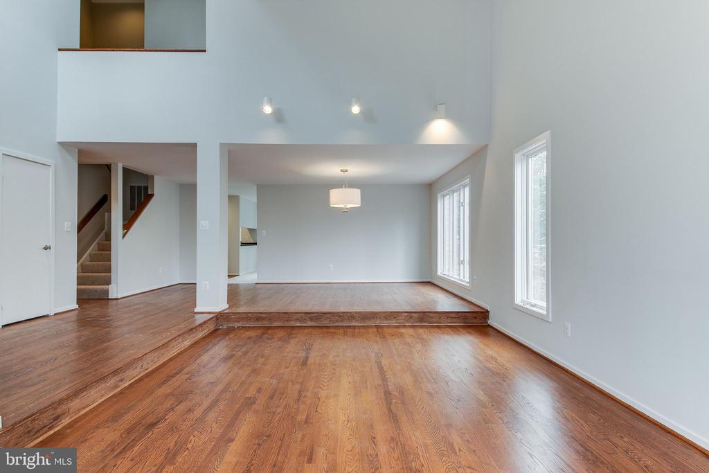 Living Room to Dining Room - 1505 N VILLAGE RD, RESTON