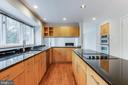 Cooktop in Island (Can be Converted to Gas) - 1505 N VILLAGE RD, RESTON
