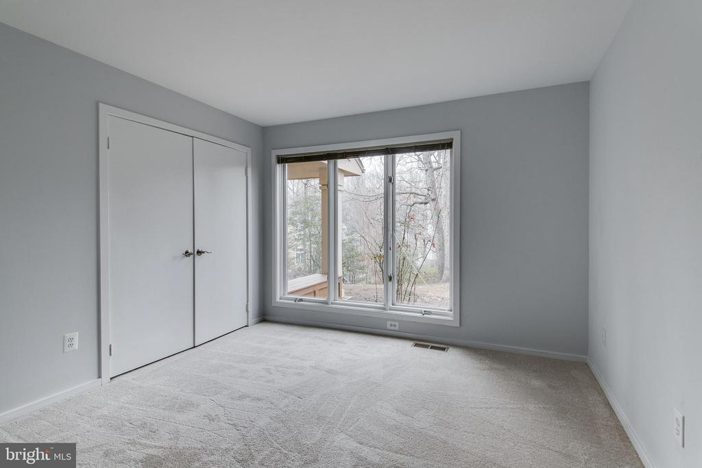 Main Level Bedroom with New Carpet - 1505 N VILLAGE RD, RESTON