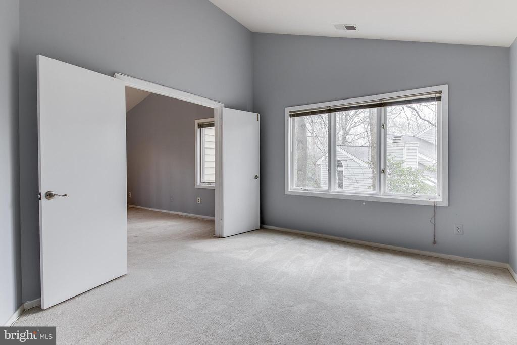 MB Sitting Room can be converted UL 4th Bed Room - 1505 N VILLAGE RD, RESTON