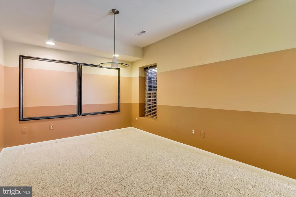 Play room or game room - 12305 COLUMBIA SPRINGS WAY, BRISTOW