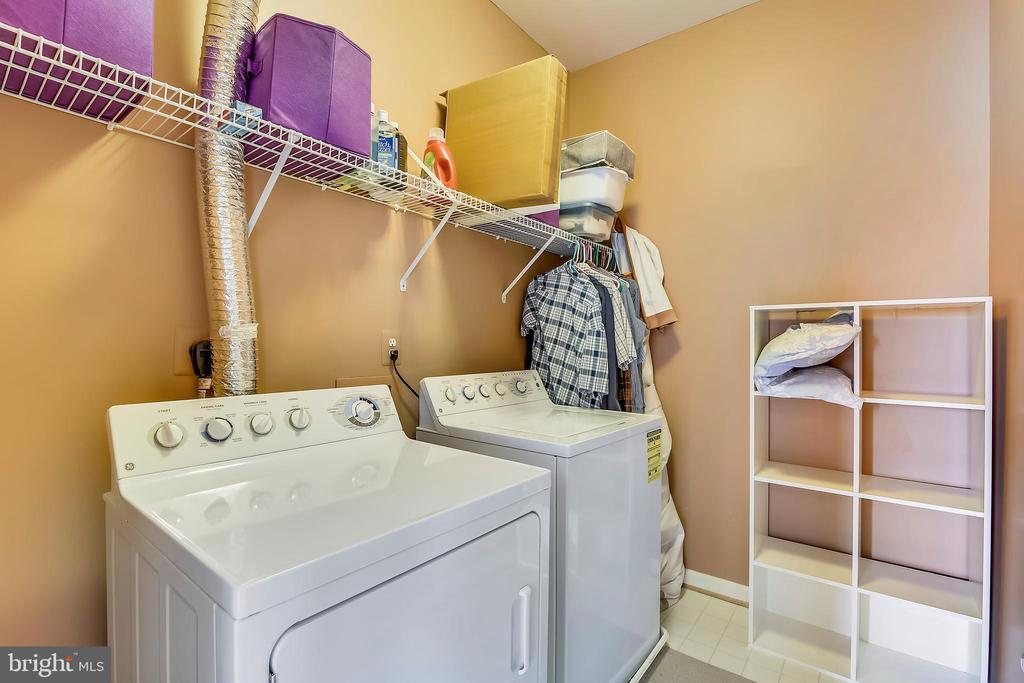 Upper level laundry - 12305 COLUMBIA SPRINGS WAY, BRISTOW