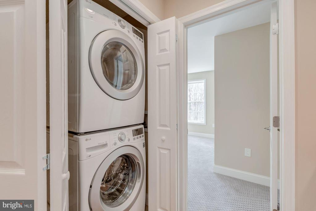 Washer and Dryer on Second Level - 4412 RYNEX DR, ALEXANDRIA
