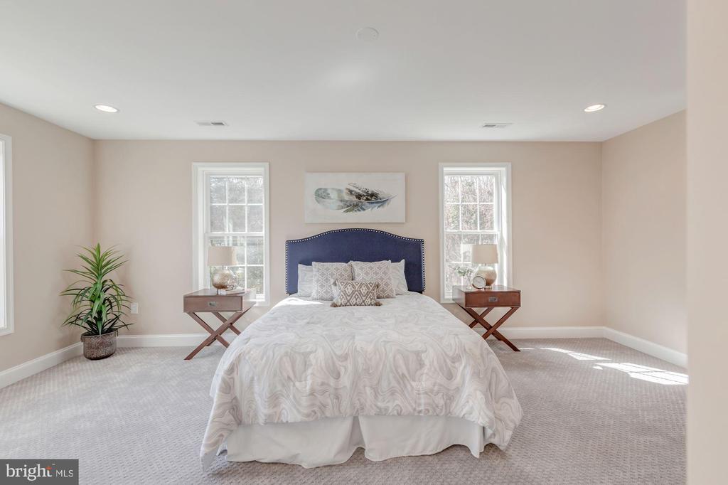 Second Level Master Bedroom - 4412 RYNEX DR, ALEXANDRIA