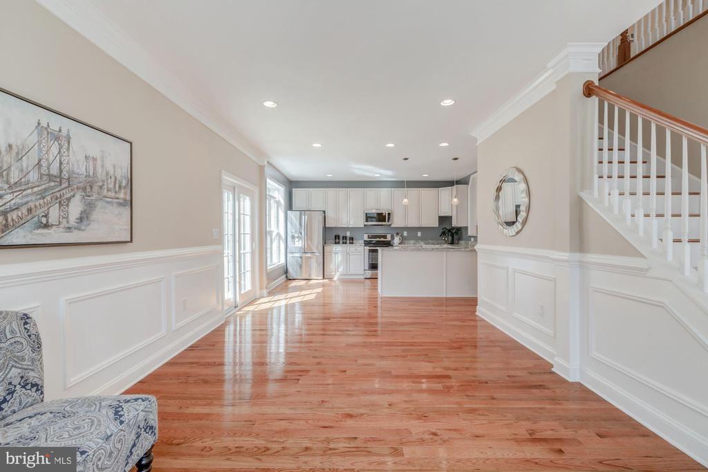 Spacious Living and Dining Room area - 4412 RYNEX DR, ALEXANDRIA