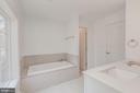 Luxury Master Bathroom Separate Tub - 4412 RYNEX DR, ALEXANDRIA