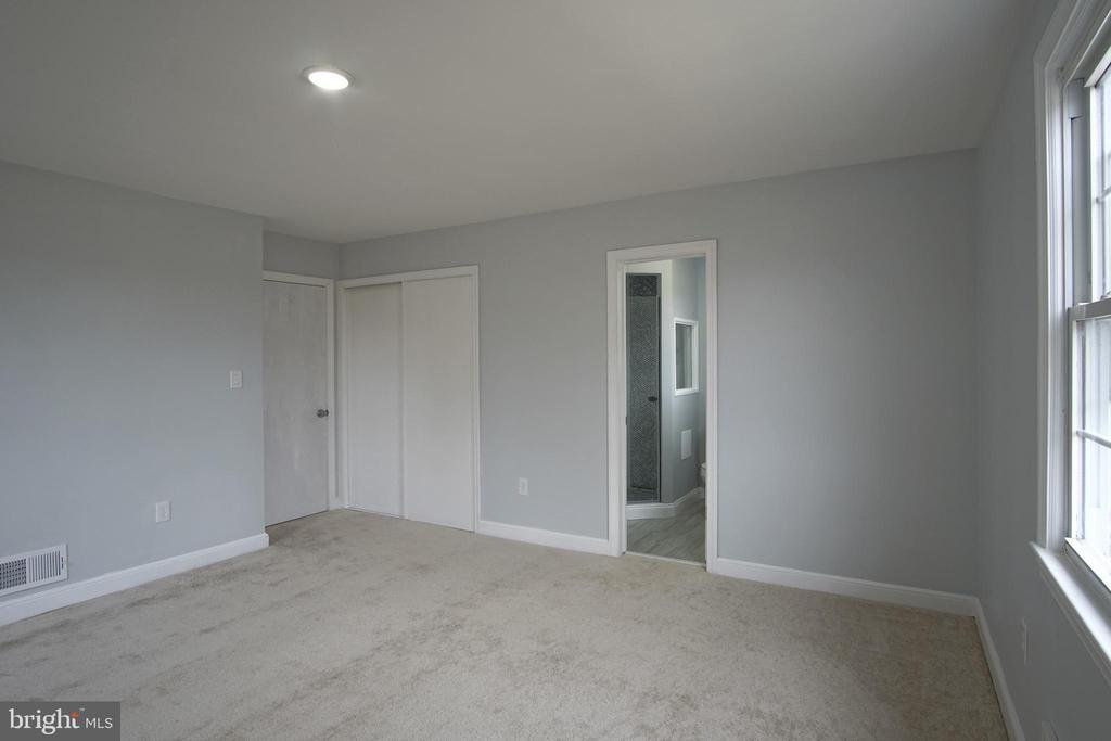 Bedroom Master with Bathroom - 6511 ADAK ST, CAPITOL HEIGHTS