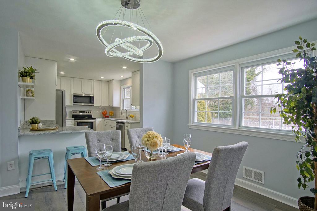 Dining off the kitchen with breakfast area - 6511 ADAK ST, CAPITOL HEIGHTS