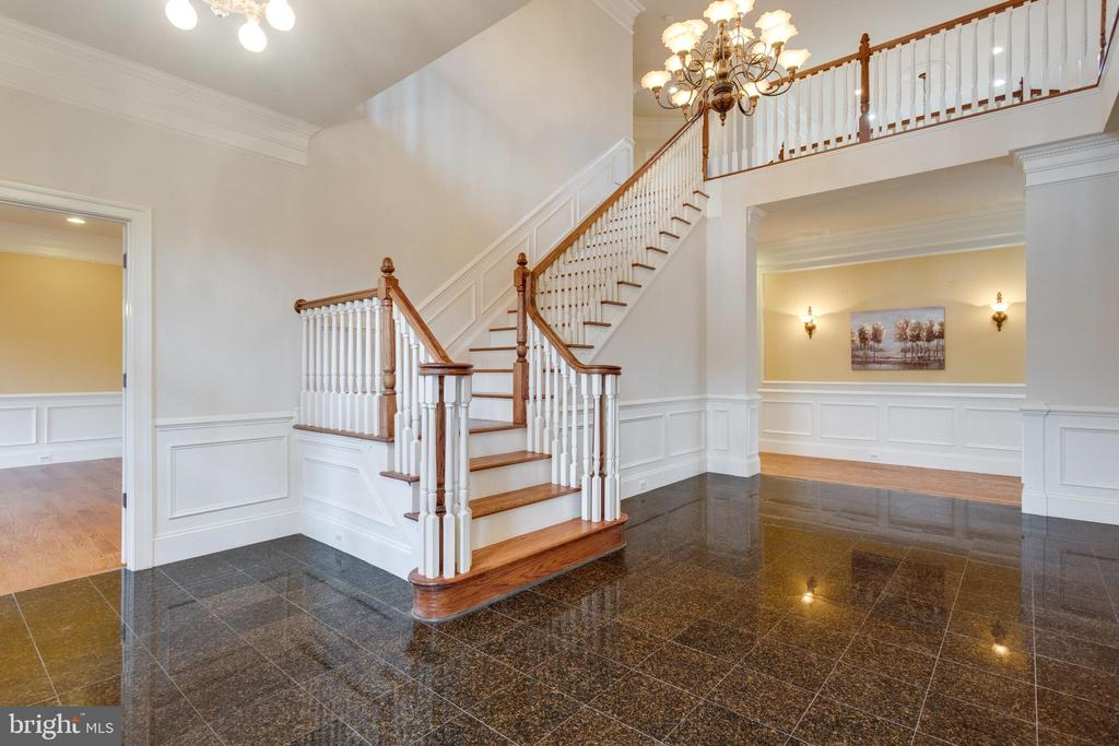 The WOW factor when you walk in is breathtaking! - 1847 HUNTER MILL RD, VIENNA