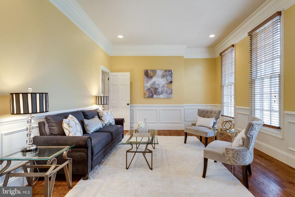 Formal Living Room w/ high-end moldings & details - 1847 HUNTER MILL RD, VIENNA