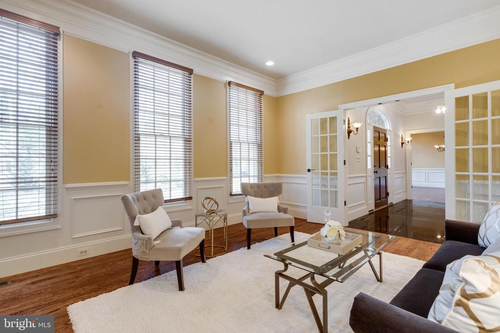 French doors can be closed for privacy - 1847 HUNTER MILL RD, VIENNA
