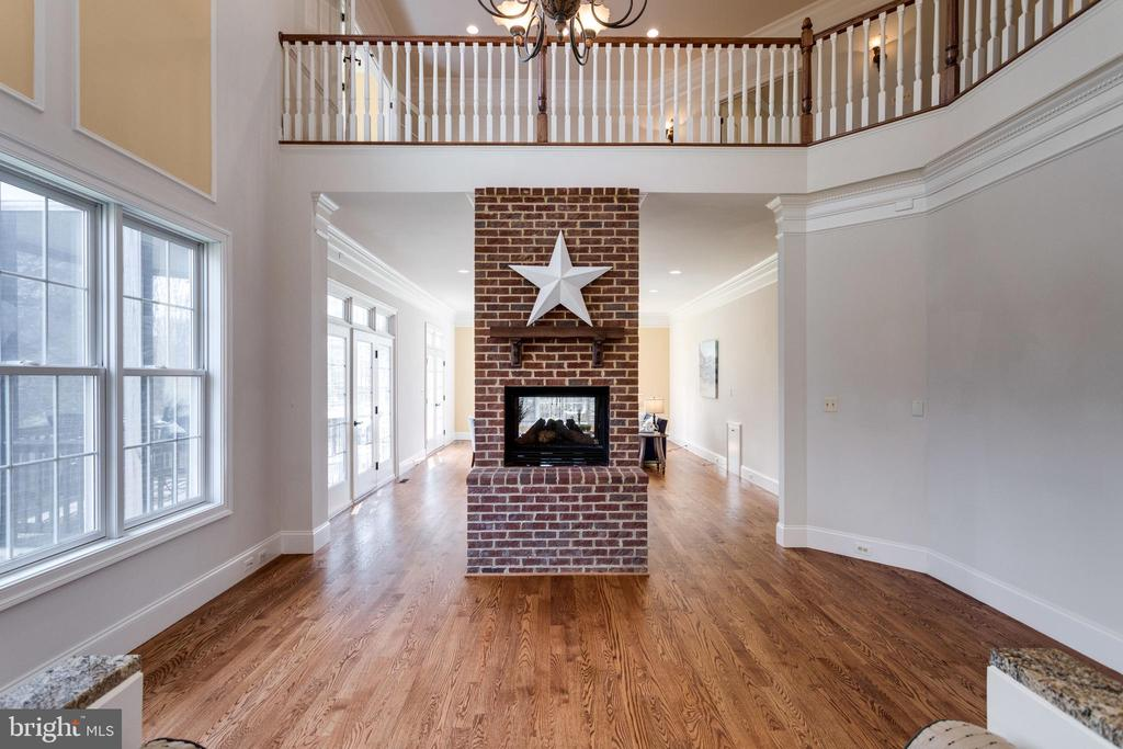 FP's high hearth allows you to enjoy from the kit. - 1847 HUNTER MILL RD, VIENNA