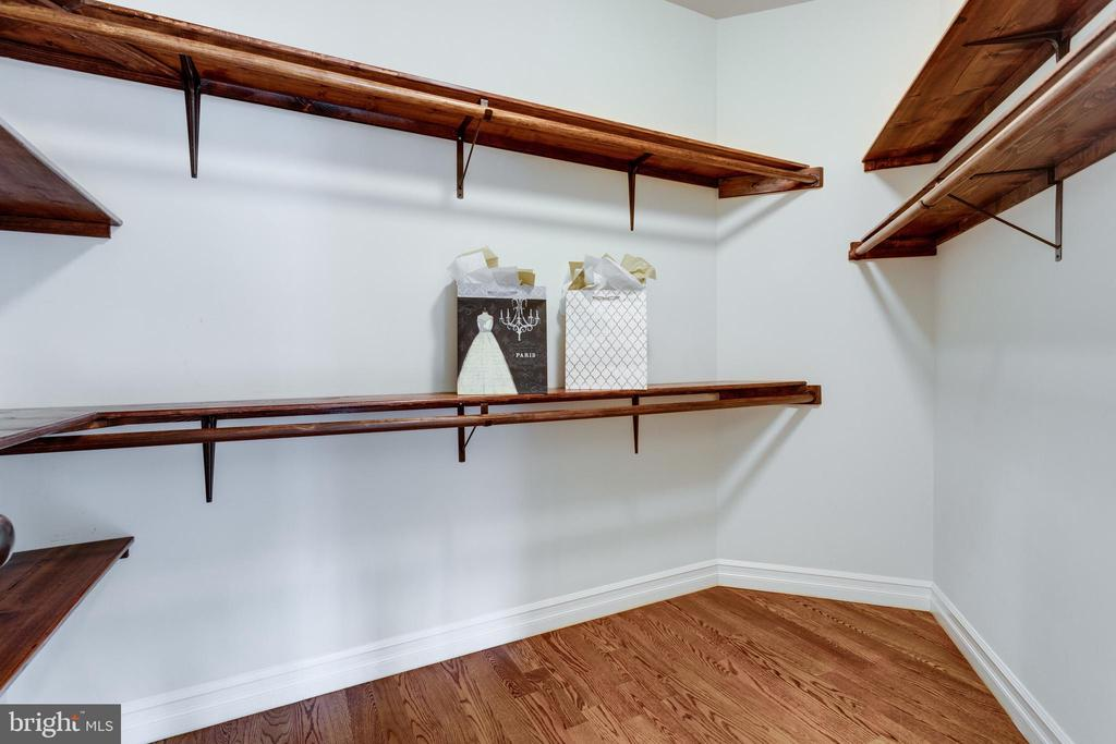 One of two MB walk-in closets - 1847 HUNTER MILL RD, VIENNA
