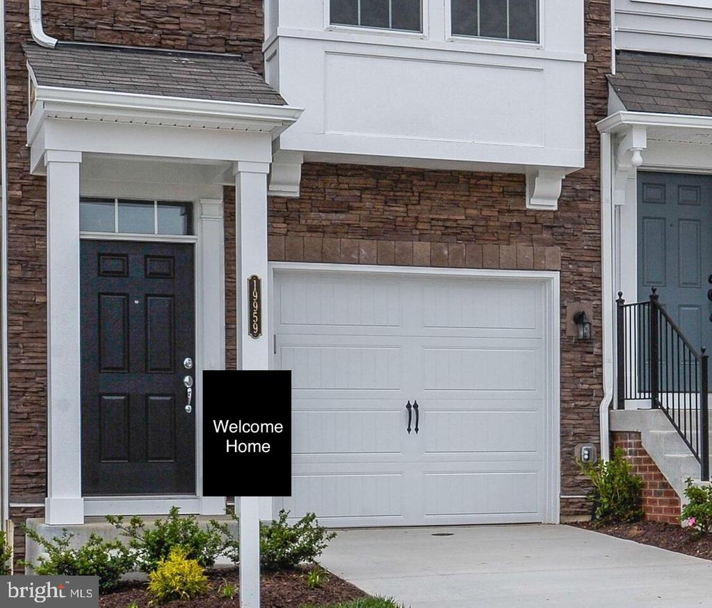 Welcome to your New Home! - 19959 MAJOR SQ, ASHBURN