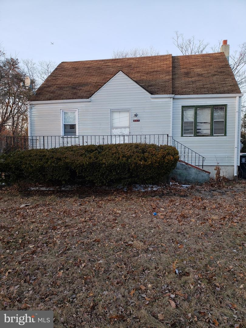 Single Family Homes for Sale at West Berlin, New Jersey 08091 United States