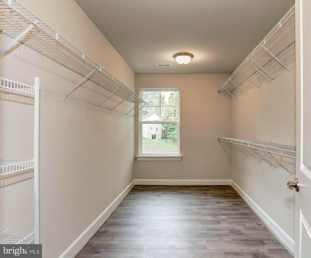 Huge Master Closet! - 004 BETHEL CHURCH RD, FREDERICKSBURG
